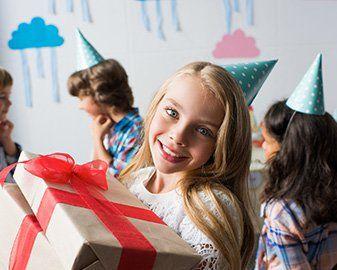 Prezent Na Urodziny Dla Kolezanki 15 Propozycji W 3 Roznych Kategoriach Wiekowych Smyk Com